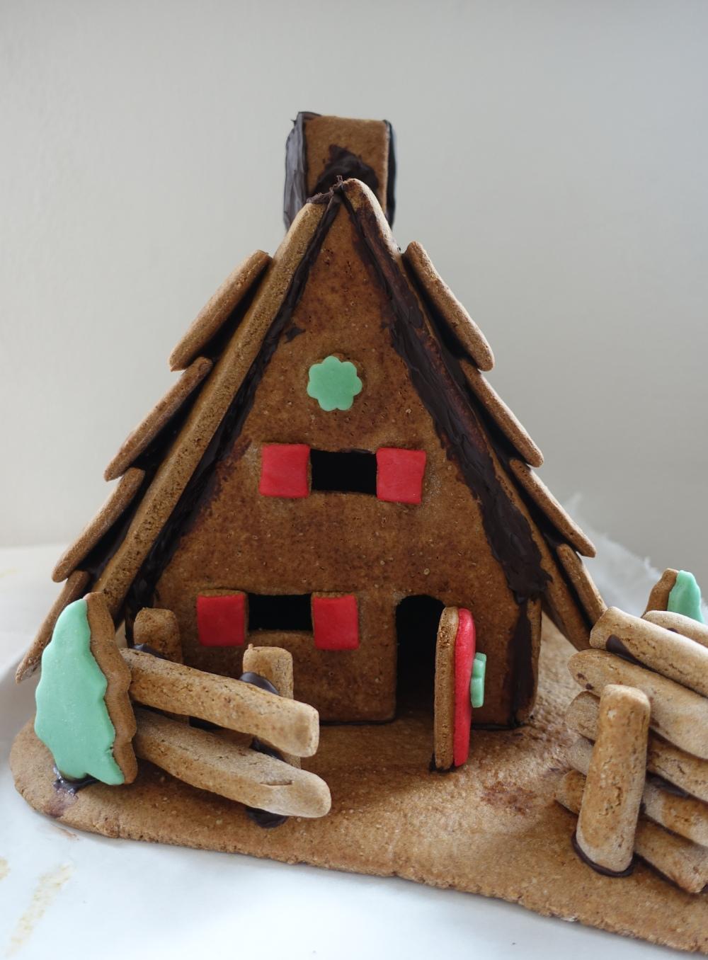 lebkuchenhaus-ohne-schnee