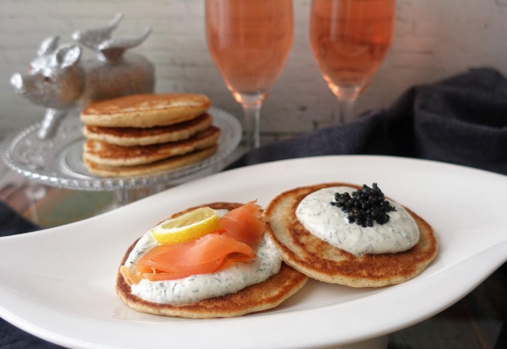 Blinis mit Lachs und Kaviar 3