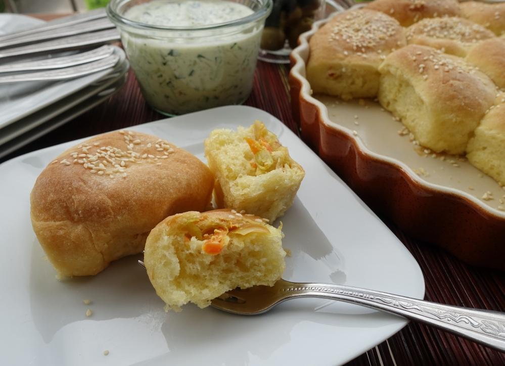 Buchteln mit Lauch und Karotten