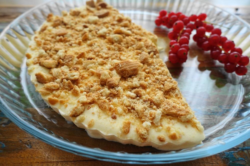 Mascarpone-Eistorte mit Keks-Streuseln #torta #gelato #dolce #delizieitaliane #mascarpone #limoncello