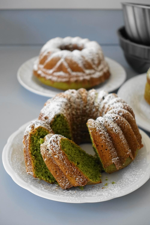 Gugelhupf in Grün - mit Blattspianat; Süßes mit Gemüse