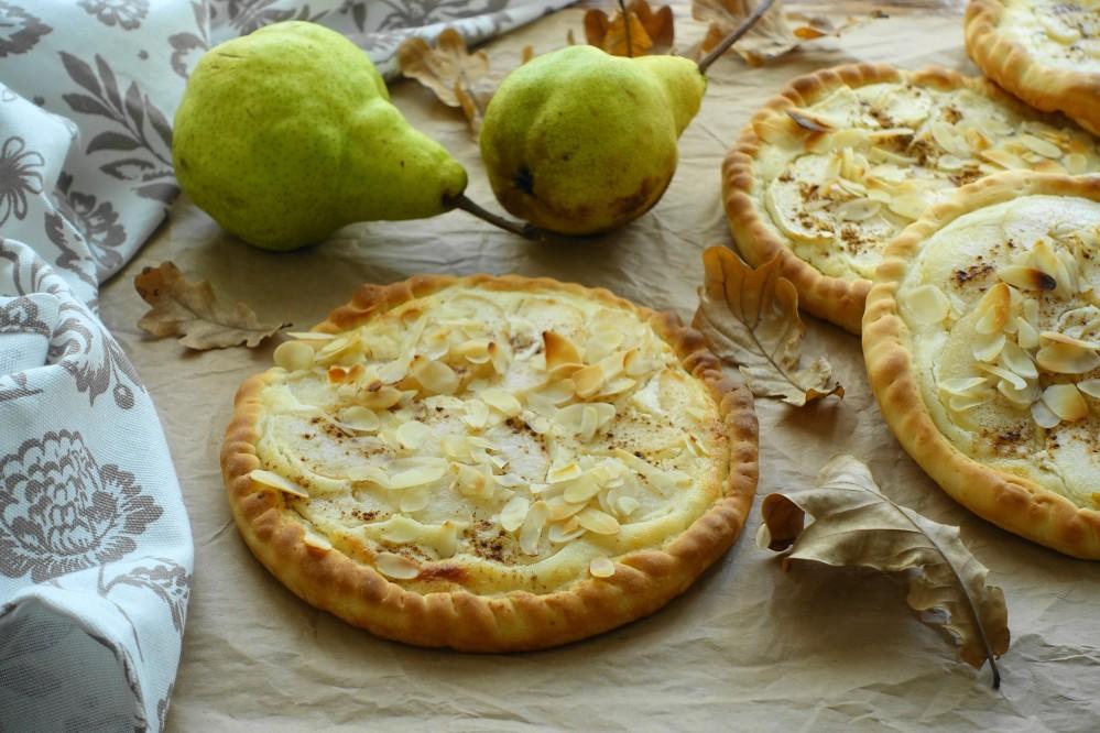 Tarte flambée, Flammkuchen, französisch backen mit Obst, Birnen, Marzipan, Süßes mit Obst, lecker, Frankreich