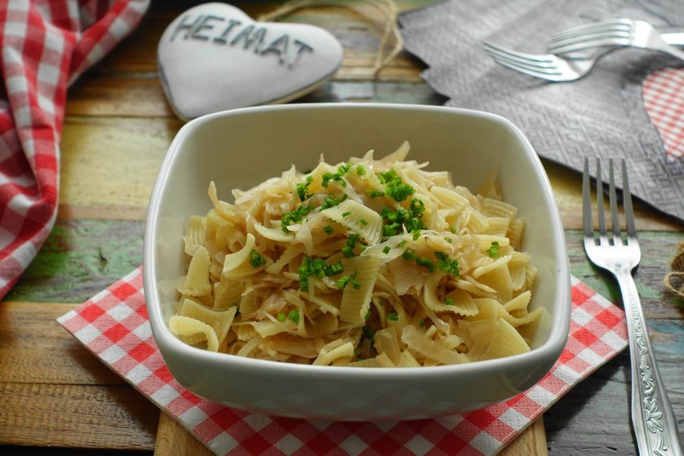 Krautfleckerl für den #Weltnudeltag; österreichisch kochen, vegetarisch; österreichischer Nudelklassiker