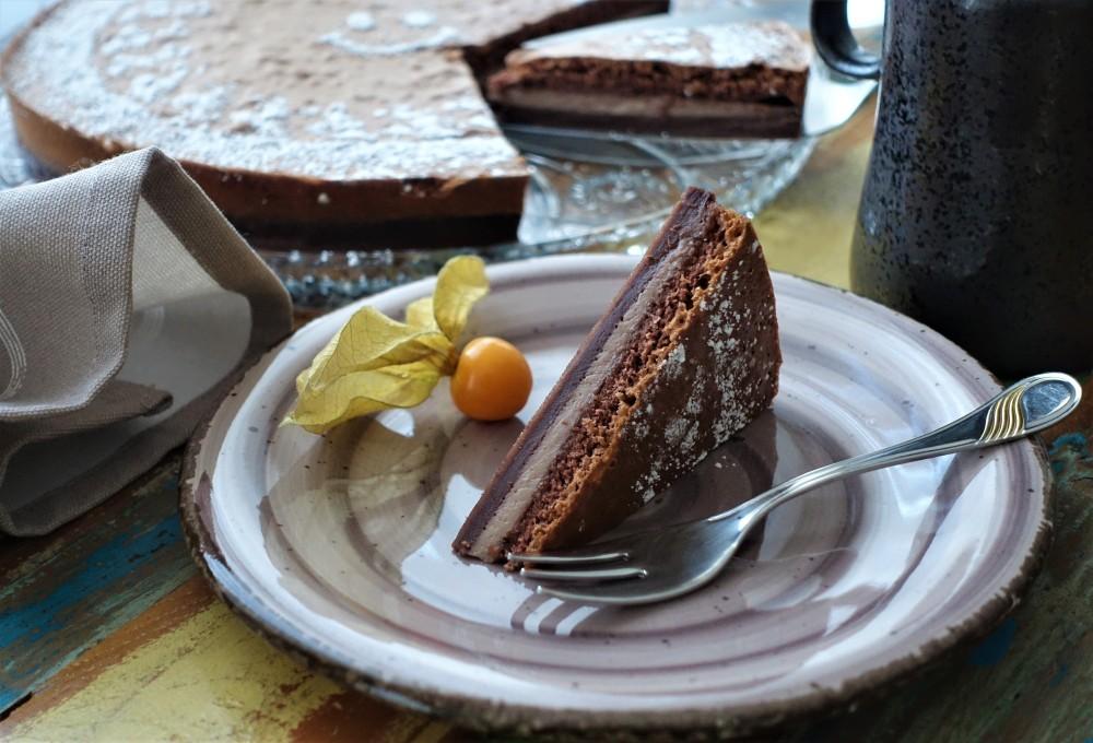 Magic Cake, Zauberkuchen; ein Teig bildet beim Backen 3 Schichten aus! Hocus pocus fidibus ... wie von Zauberhand gebacken; Schokoladiger Magic Cake à la linzersmileys.com