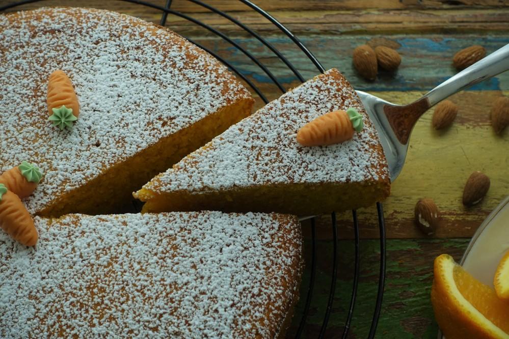 Camilla, italienischer Kuchen mit Karotten, Orangen und Mandeln, perfekt zum Frühstück oder zur Kaffeejause, Betacarotin, oranger Kuchen, saftig, fluffig, dolce italiano, prima colazione, merenda dolce