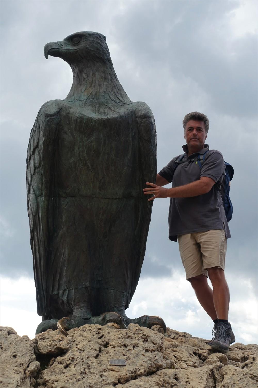 Chritomannos-Denkmal, Adler aus Bronze, Weltnaturerbe Dolomiten, Südtirol - Trentino, Welschnofen - Nova Levante, Carezza - Karersee, Urlaub in den Bergen, Urlaubserinnerungen, Family, Smile, Smileys