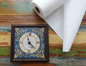Zeit und Küchenrolle