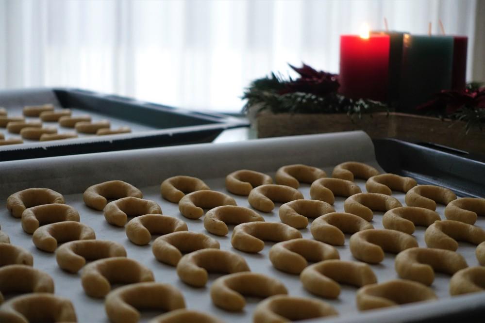 Vanillekipferl, Weihnachten, Advent, Kekse, Keksklassiker, backen, Walnüsse und Vanille, Lieblingskekse der Österreicher
