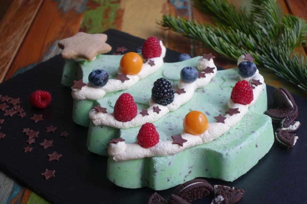 Icebox Cheesecake, NoBake, ohne Backen, weihnachtlich, zum Dahinschmelzen, Tannenbaum, Weihnachtsbaum, Xmas Tree, zum Löffeln, Tannenbaum-Eis, mit Cookies, Frischkäse, Frischkäseeis, Rezeptidee von Daniela Terenzi, #linzersmileys