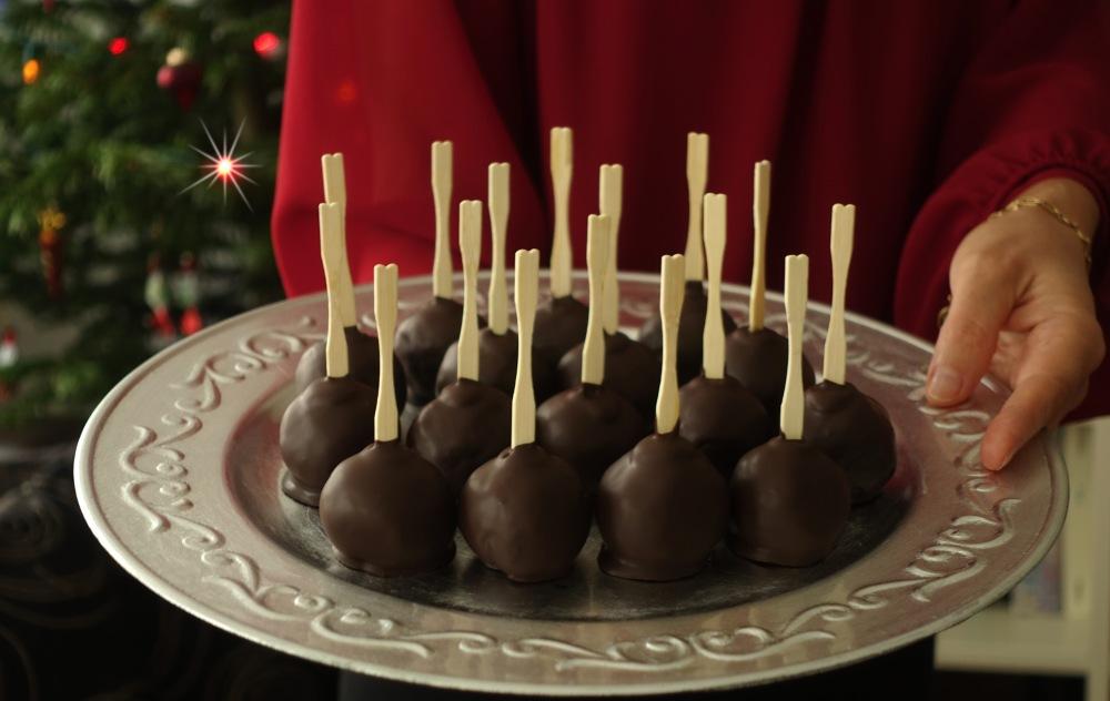 Leckeres aus Kuchenresten, Pannenhilfe für verunglückte Kuchen, Kuchen am Stiel, Cake Pops, Kuchen-Lollis, Mohnkuchen, Poppy Seed