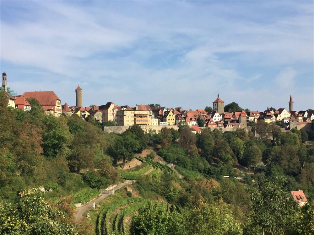 Rothenburg ob der Tauber, mittelalterliche Stadt in Deutschland, berühmt für ihre Schneeballen, Original Rothenburger Schneeballen