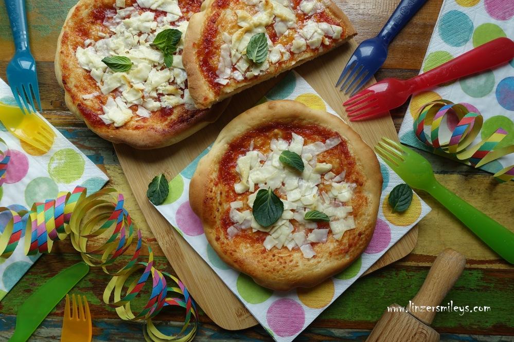 für den Fasching, Karneval, Pizza in süßer Version, Sweet Pizza Margherita, Partyrezept, Partygericht, backen für Kinder, kreativ, mit Fun-Faktor, süße Pizza, finta pizza, pizza dolce, königlich lecker, fake pizza