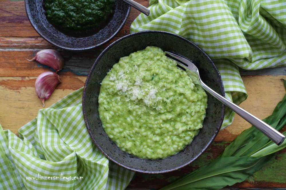 Bärlauchrisotto, Risotto all'aglio orsino, Risotto in Grün, Frühlingsgericht, Es grünt so grün, italienisch kochen, Frühlingsgruß aus der Küche, Bärlauch, Bärlauchpaste, selbst gemacht