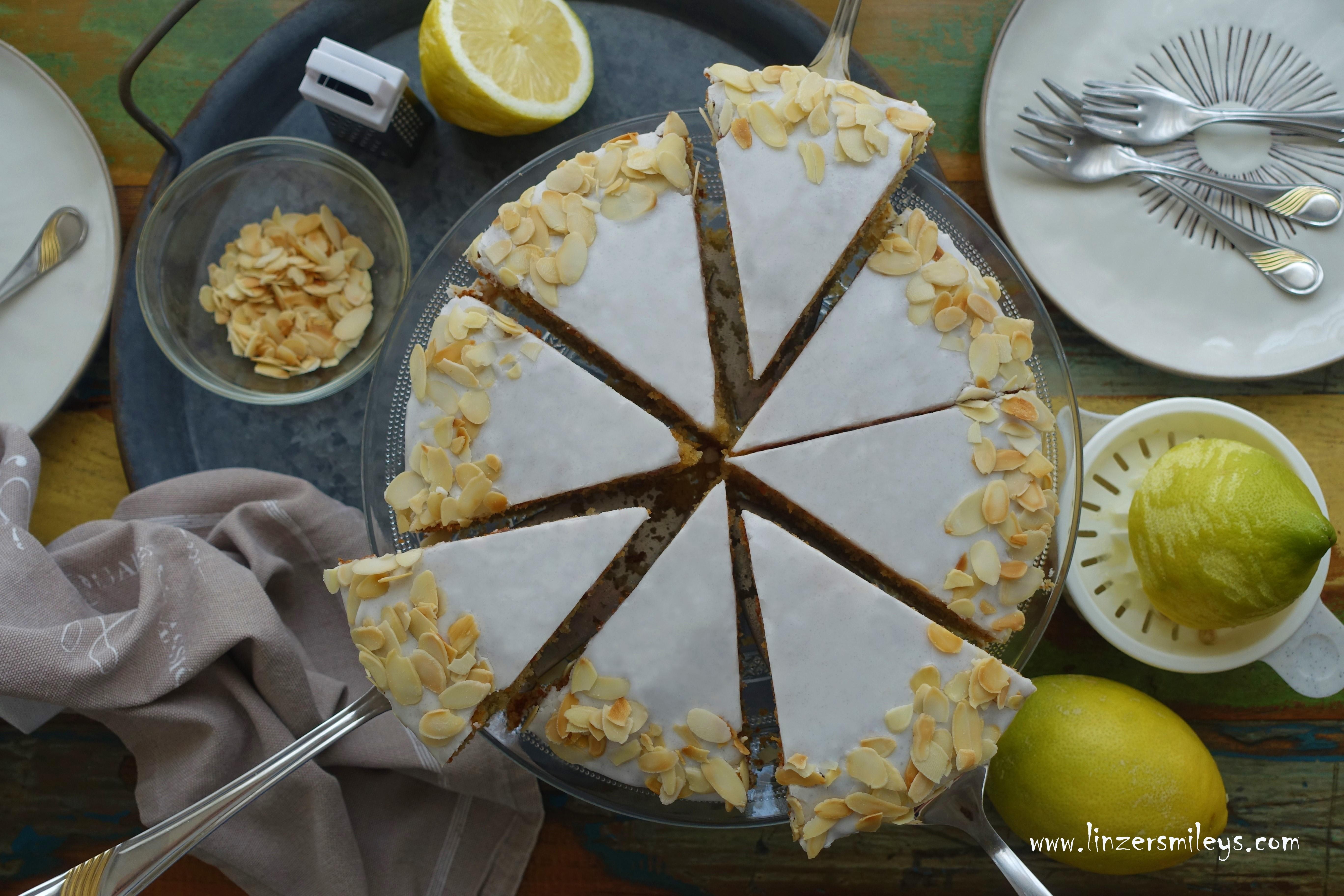 Grießtorte, backen mit Grieß, Dinkelgrieß, unspektakulär, aber echt köstlich, backen wie früher, backen wie zu Omas Zeiten, Bio-Zitronen, Mandeln, fein aromatisch, Muttertag 2020 #Bake a #Cake for #Mothersday