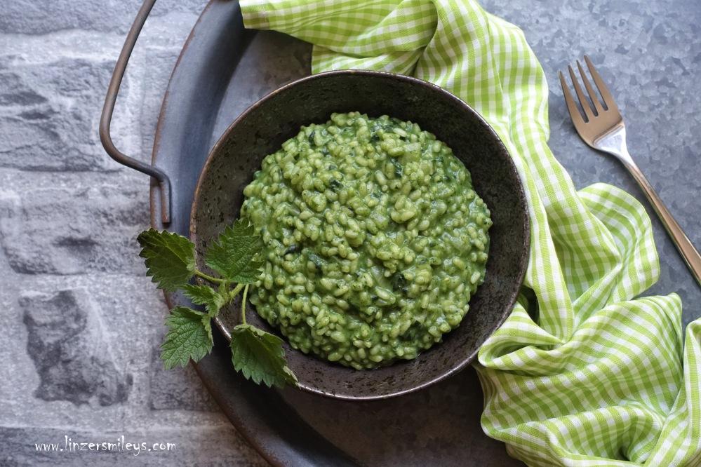 italienisch kochen im Frühling, Risotto mit Brennnesseln, Brennesseln, ortiche, Kräuter aus dem Wiener Prater, Wildkräuter, grün, der Frühling auf dem Teller