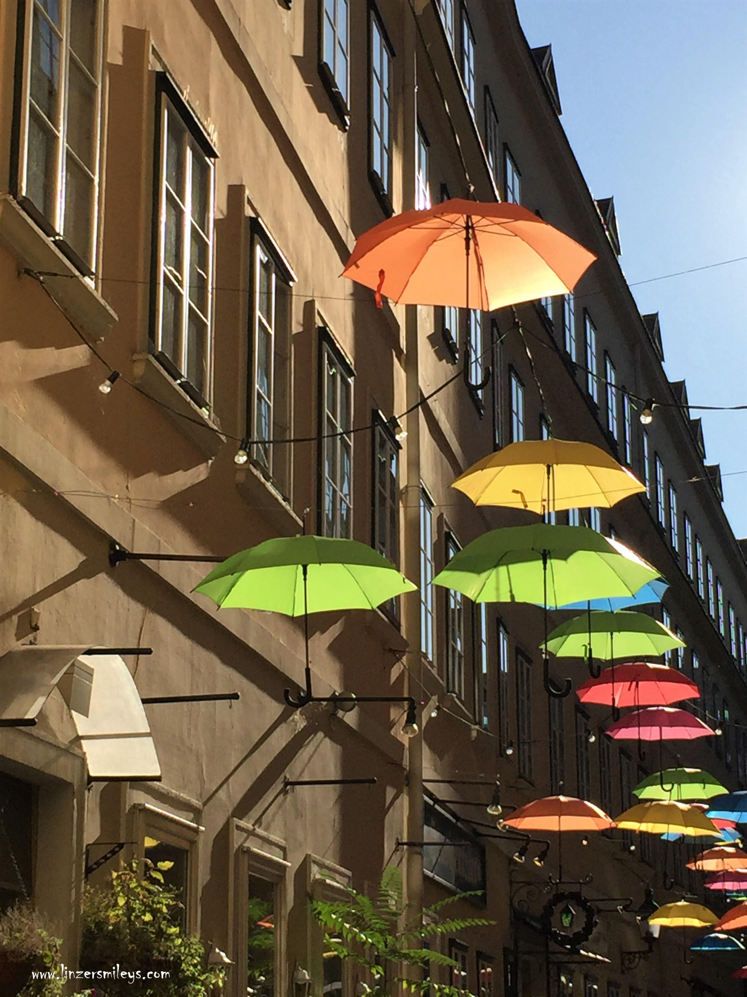 Regenschirme im Dritten, 3. Wiener Gemeindebezirk, Sonne und Regen, #linzersmileys Daniela Terenzi, Foodblog, Foodbloggerin, gebürtige Linzerin, aus Österreich, #Linz