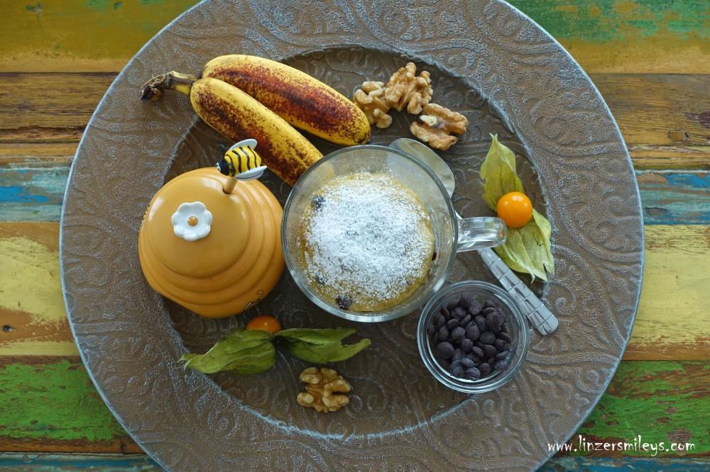EasyBaking, Tassenküchlein aus der Mikrowelle, easy-peasy, superschnell, für den kleinen Kuchenhunger, mit braunen Bananen, nachhaltig, Resteverwertung, Rezept von Foodbloggerin Daniela Terenzi #linzersmileys