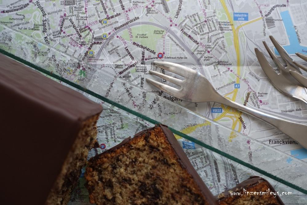 Linz #linzersmileys Tonis Schoko-Nuss-Kuchen, Rezept aus der Kindheit, Jugendzeit, backen wie früher, BRG Hamerlingstraße, Schullandwoche, Oberösterreich, Foodblog, süßes Rezept, simpler Kuchen, fluffig, schokoladig, köstlich