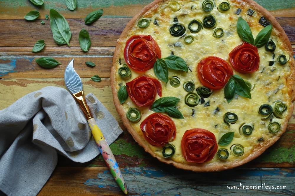 #linzersmileys Röschen-ohne-Dornen-Tarte, märchenhaft lecker, kreativ backen, nachhaltig, Dornröschen, Dornröschen-Schlaf, Rosen aus Tomaten, Paradeiser, clevere Resteverwertung, Gemüse-Quiche, Tart