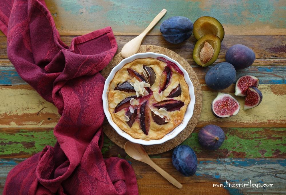 Clafoutis aux prunes et figues, Clafoutis mit Zwetschgen und Feigen, herbstlich backen, Kuchen zum Löffeln, Auflauf mit Obst, einfach, simpel, easy-peasy in der Zubereitung, Spezialität aus dem französischen Limousin, für Anfänger geeignet