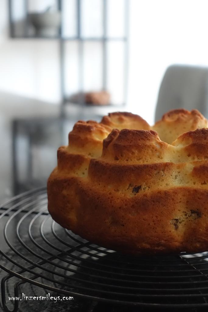 Becherkuchen mit Topfen, Quark, EasyBaking, Topfengugelhupf, Napfkuchen mit Quark, easy-peasy, topfig, mit Rumrosinen, einfach backen, mit Öl, ohne Butter, mit Reismehl, #linzersmileys