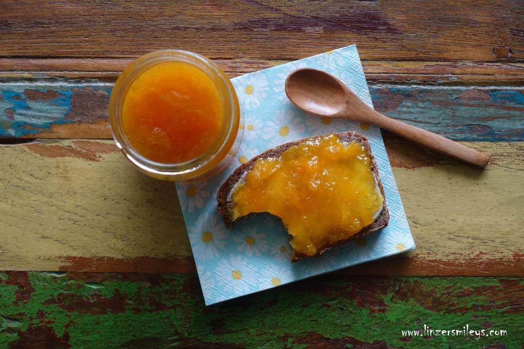 Frühstücksbrot, mit Butter und Marmelade, Butterbrot, süß, Orangenmarmelade, DIY, selbst gemacht, köstlich, fruchtig, Konfitüre, Obst einkochen