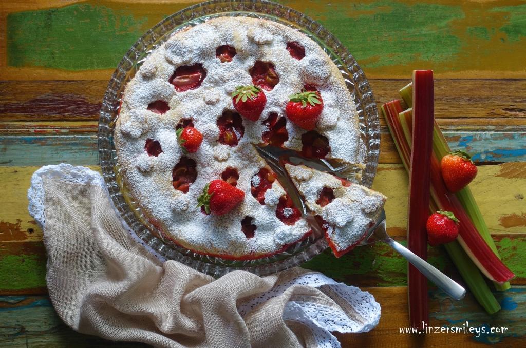 Erdbeer-Rhabarber-Pie, Mürbteig mit fruchtiger Füllung, Erdbeeren & Rhabarber, sauer & süß, vegetarisch backen, mit Obst & Gemüse, #linzersmileys