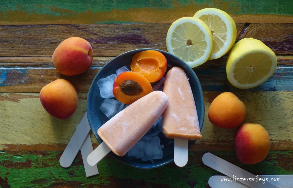 Popsicles, Eis am Stiel, Eisschlecker, Abkühlung, mit Marille, Aprikose, Holunderblütensirup, Holler, Sommerfrische, eisgekühlt, Smoothie zum Schlecken, Trend, Foodtrend, Süßes ohne Backen, Süßes aus dem Tiefkühler, DIY Eis, Rezept von #linzersmileys