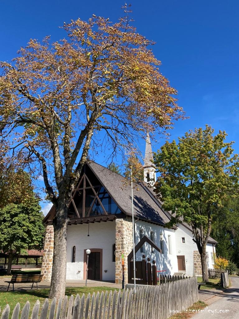 Waldkirche Lichtenstern, Collalbo, Messner Architects #ritten #renon #freudpromenade #linzersmileys Urlaub in Südtirol, wandern, erinnern, träumen, Ruhe genießen, Genuss erleben